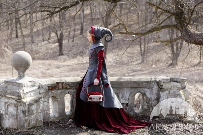 exclusive-woolen-coat-red-riding-hood-5