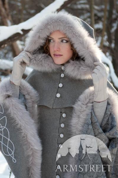 wool-grey-fantasy-coat-heritrix-of-the-winter-10