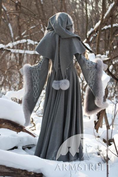 wool-grey-fantasy-coat-heritrix-of-the-winter-12